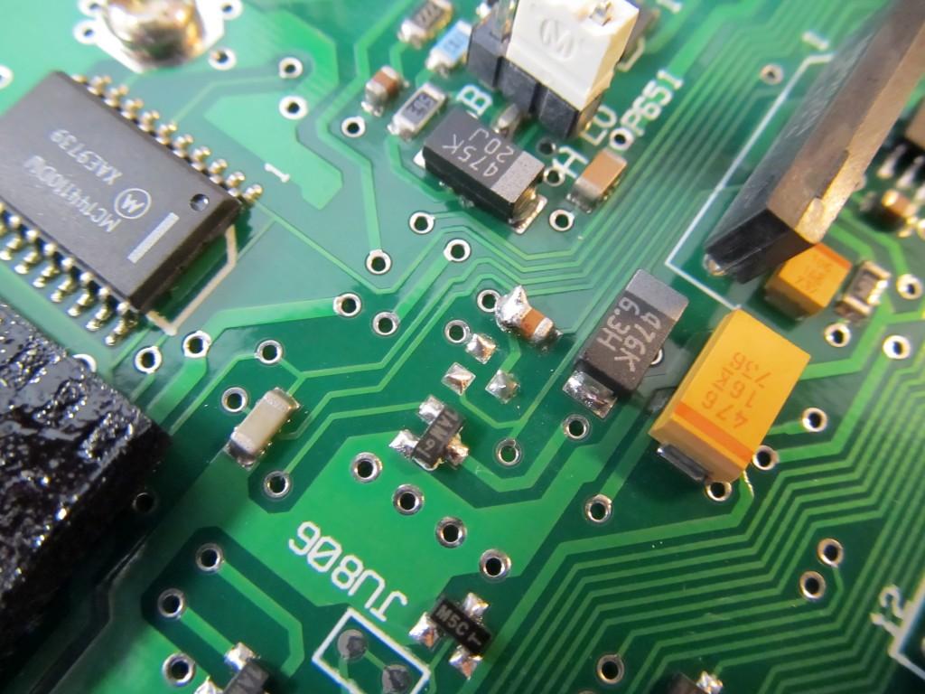 Отсутствующий транзистор Q561.