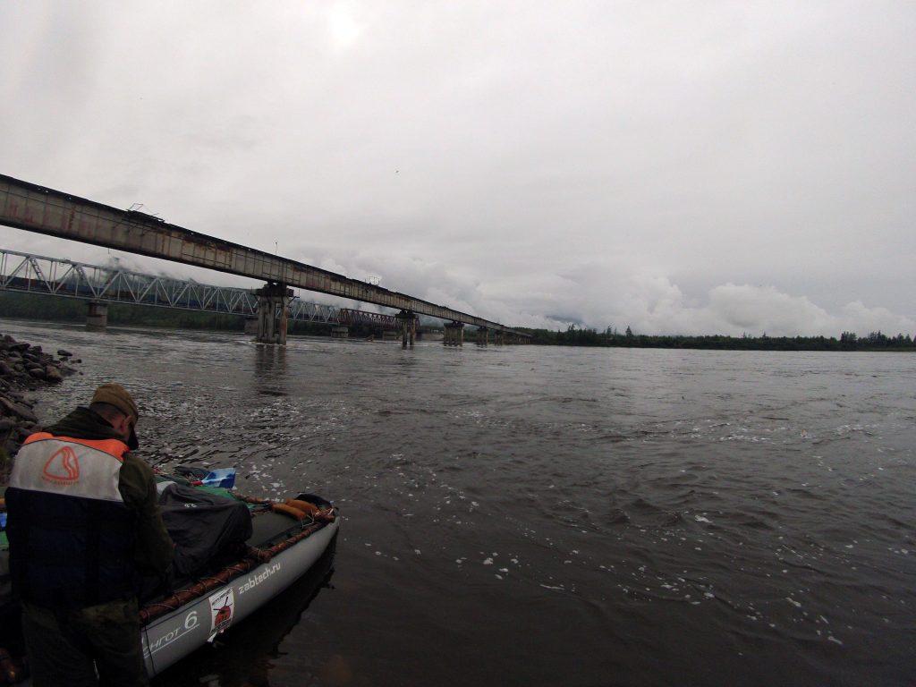 У витимского моста