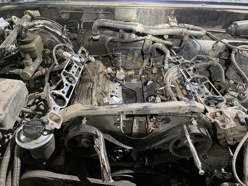 Общий вид мотора без впуска.